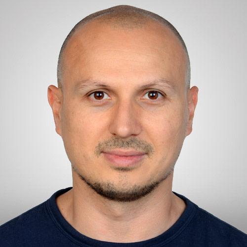 Adrian Bakos